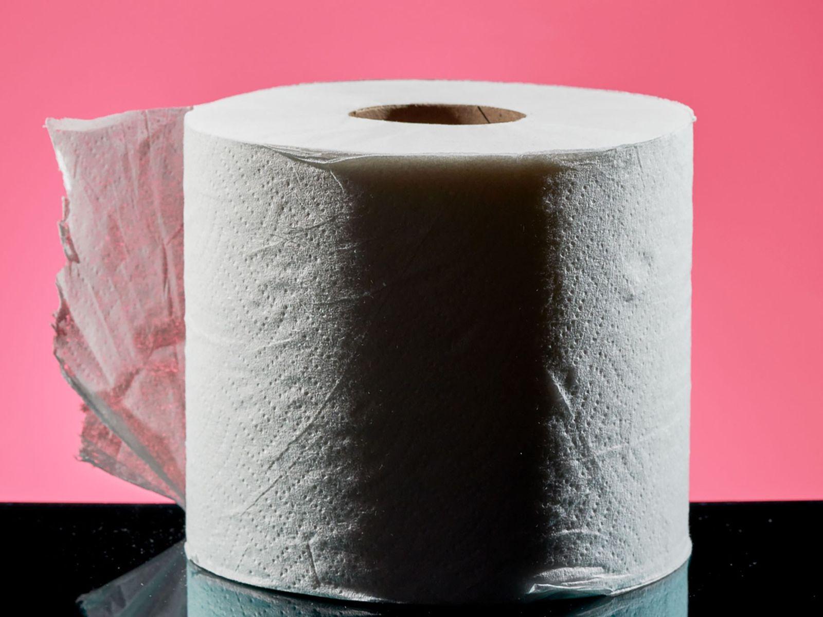 Nos EUA, a produção em massa de papel higiénico começou em 1857, mas ao longo dos ...