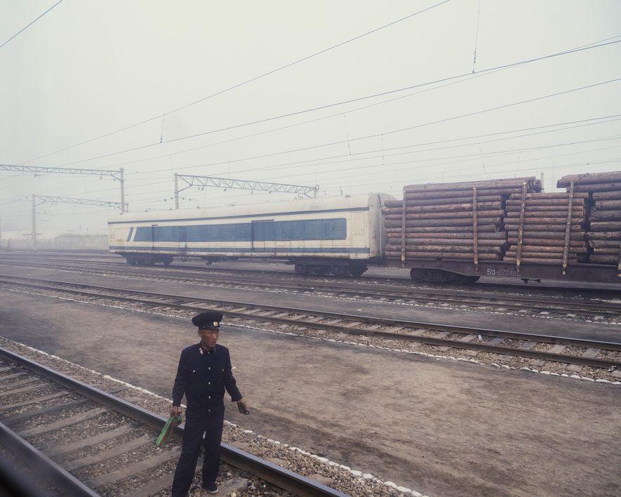 Nevoeiro cobrindo a estação de comboios de Chongjin, uma paragem no caminho de Pyongyang para Rason.