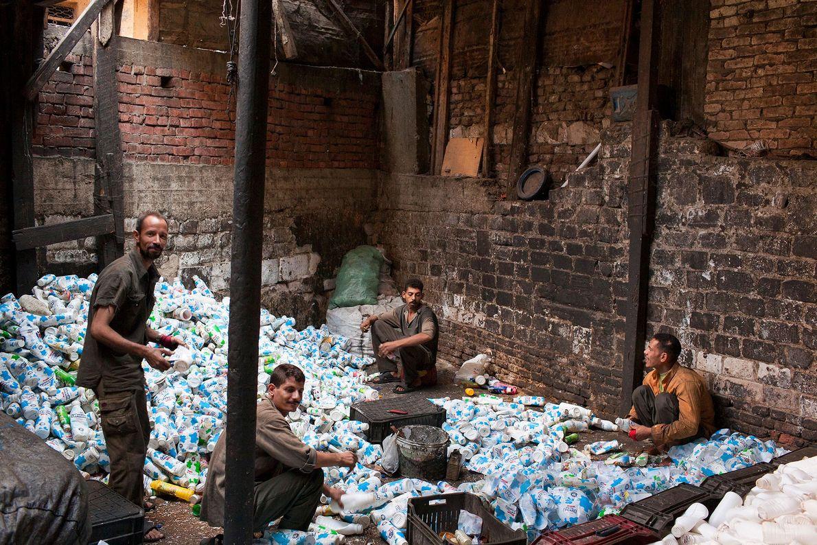 Bairro de Garbage City no Cairo.