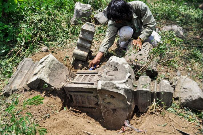 Os túmulos históricos revelados pelo tsunami de 2004, no Oceano Índico, levaram os investigadores a procurar ...