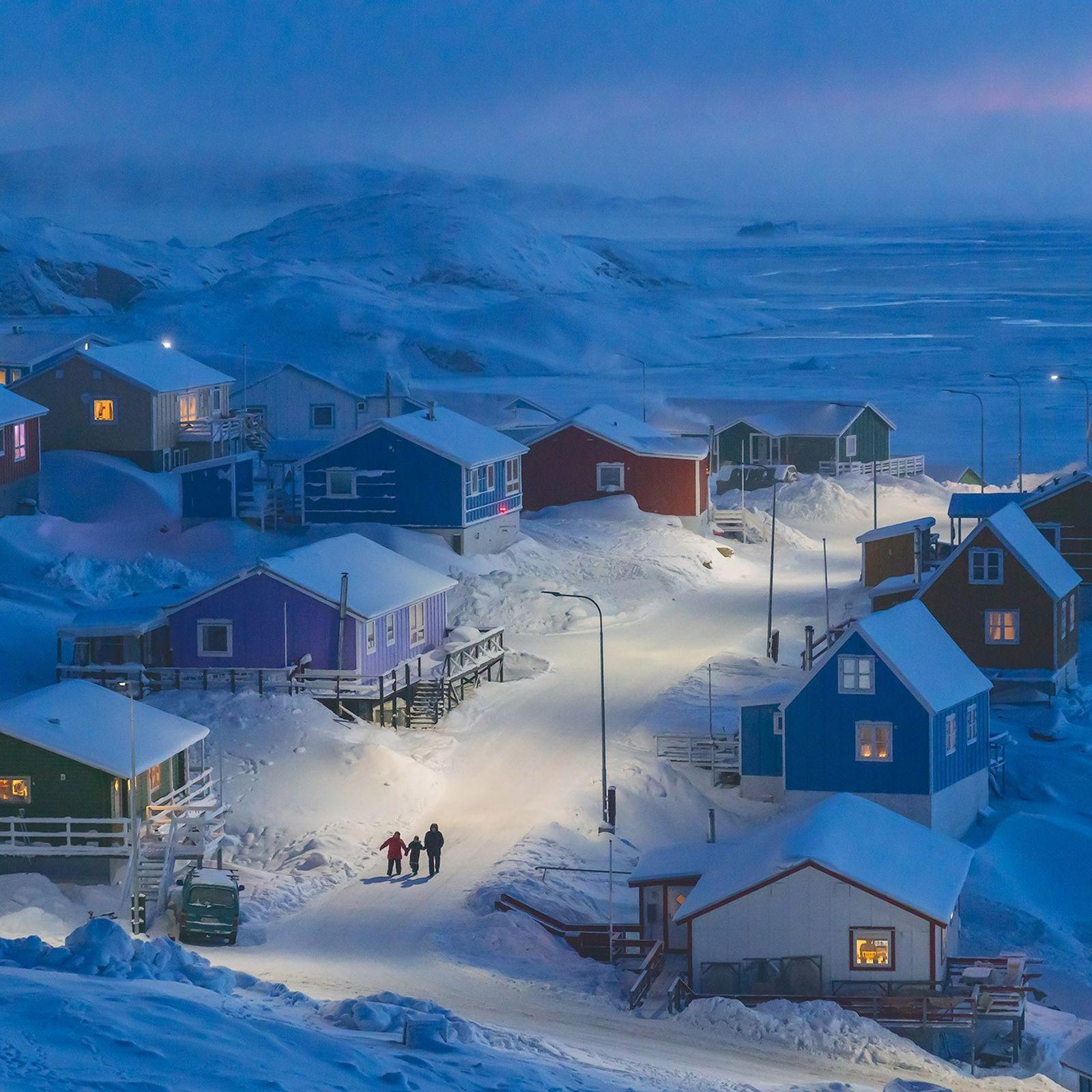 Upernavik é uma vila piscatória que fica numa pequena ilha, no oeste da Gronelândia. Historicamente, os ...