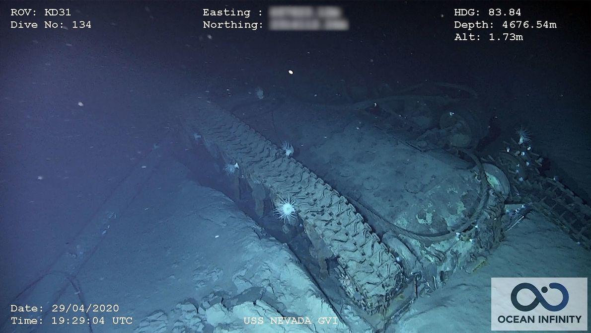 Tal como os outros navios no Atol de Bikini, o U.S.S. Nevada era uma plataforma flutuante ...