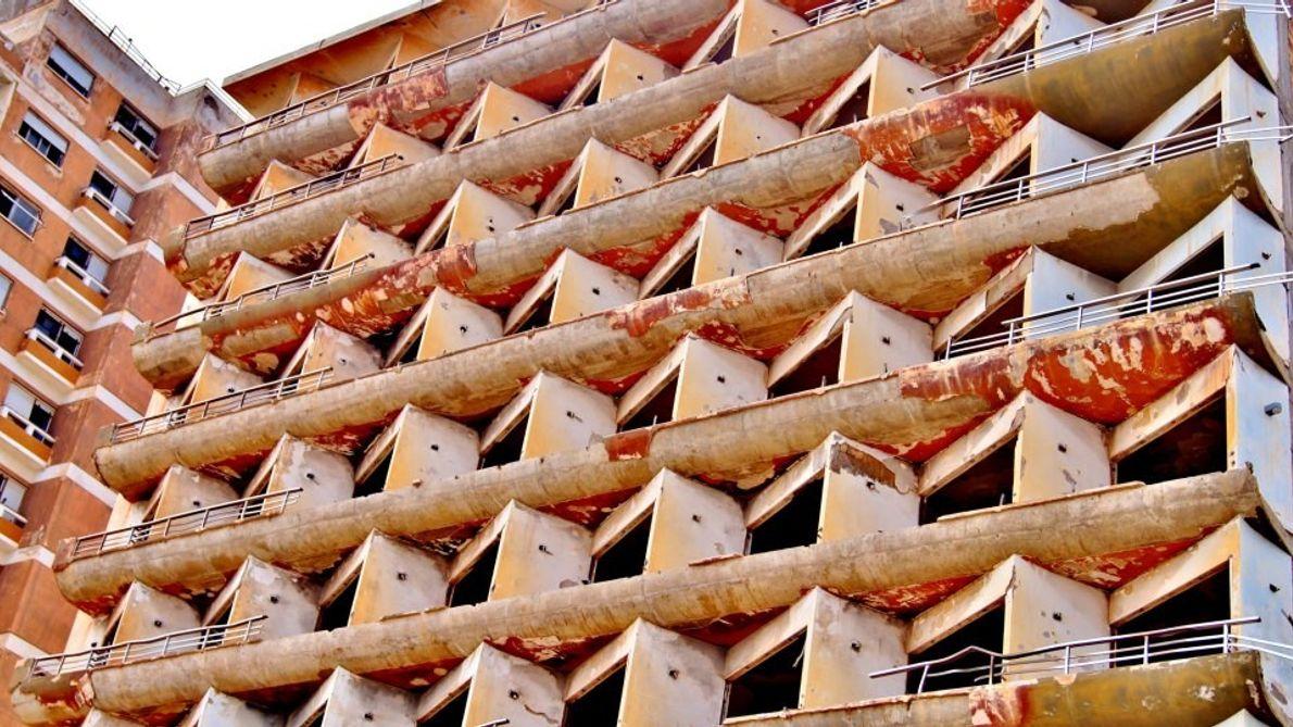 Fachada de Hotel em Varosha.