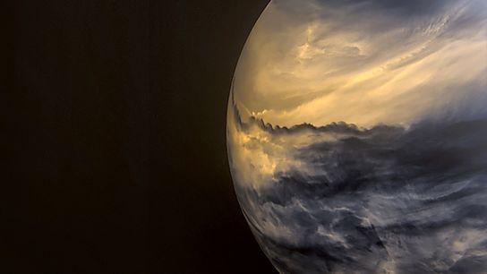 Nesta imagem de Vénus, captada por uma câmara de infravermelhos a bordo do Orbitador Climático Vénus ...