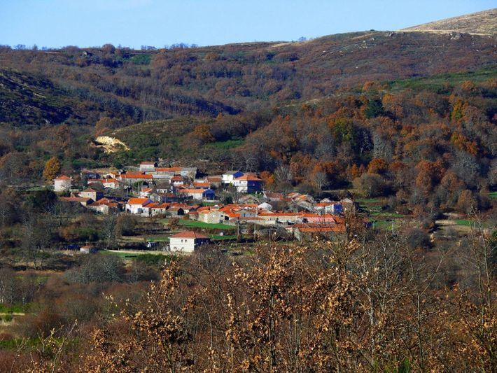 O Couto Misto está dividido entre as localidades de Baltar e Calvos de Randín, em Ourense.