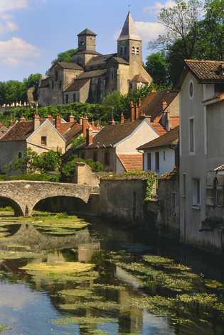 A pitoresca Châtillon-sur-Seine de Borgonha é a maior cidade do parque.