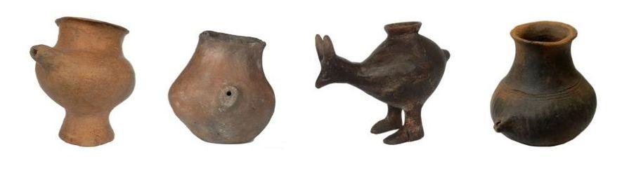 Os biberões de cerâmica, incluindo alguns com a forma de animais, começaram a aparecer na Europa ...