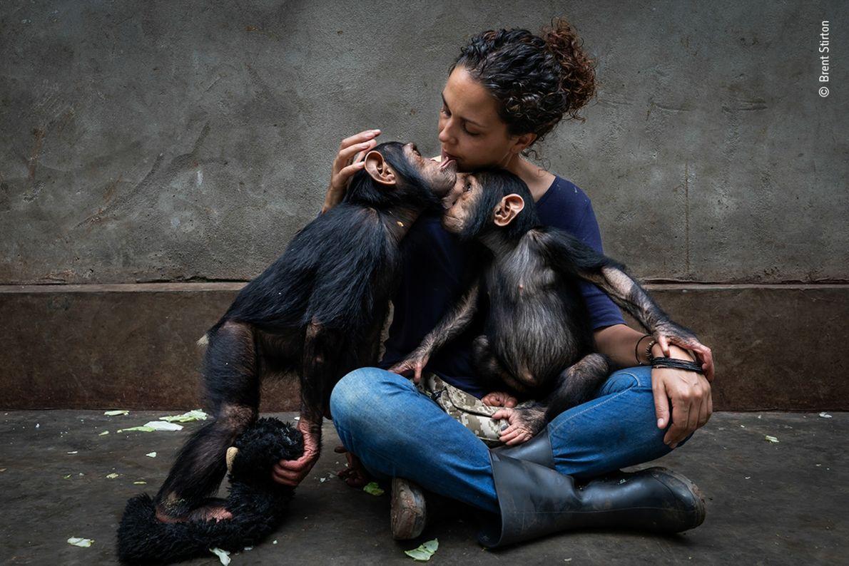 Itsaso Vélez del Burgo, diretora do Centro de Reabilitação de Primatas de Lwiro