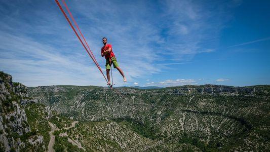 Recorde: Atletas de Highlining Atravessam Cabo Mais Extenso do Mundo