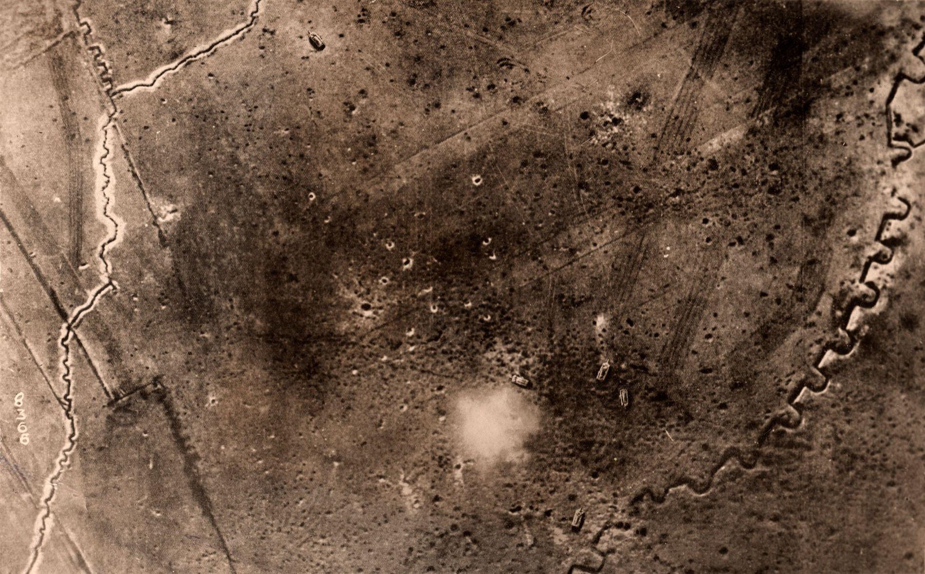 Os arqueólogos dependem de fotografias aéreas tiradas durante a Primeira Guerra Mundial para reconstruir o cenário ...