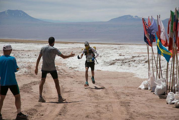 Mangold deixa para trás a paisagem das planícies de sal.