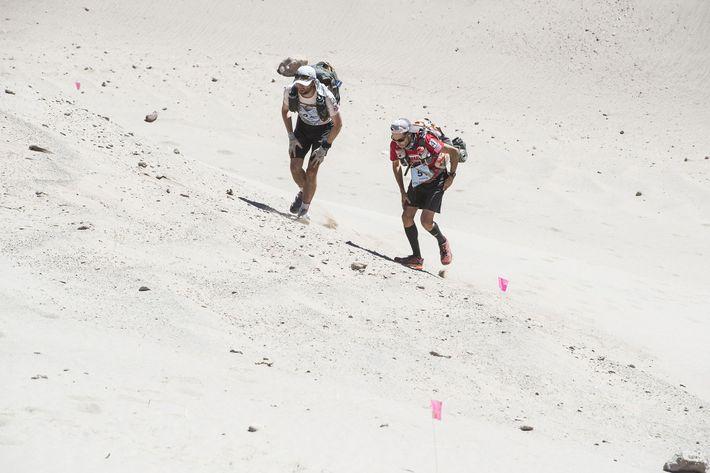 Os outros ultramaratonistas sabem que Mangold é competitivo.